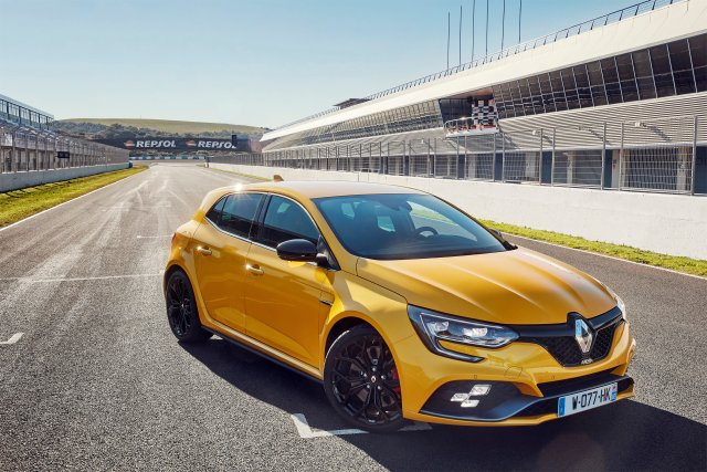 New Renault MÉGANE R S : Pure performance for people who